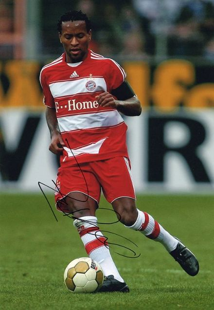 Ze Roberto, Bayern Munich & Brazil, signed 12x8 inch photo.